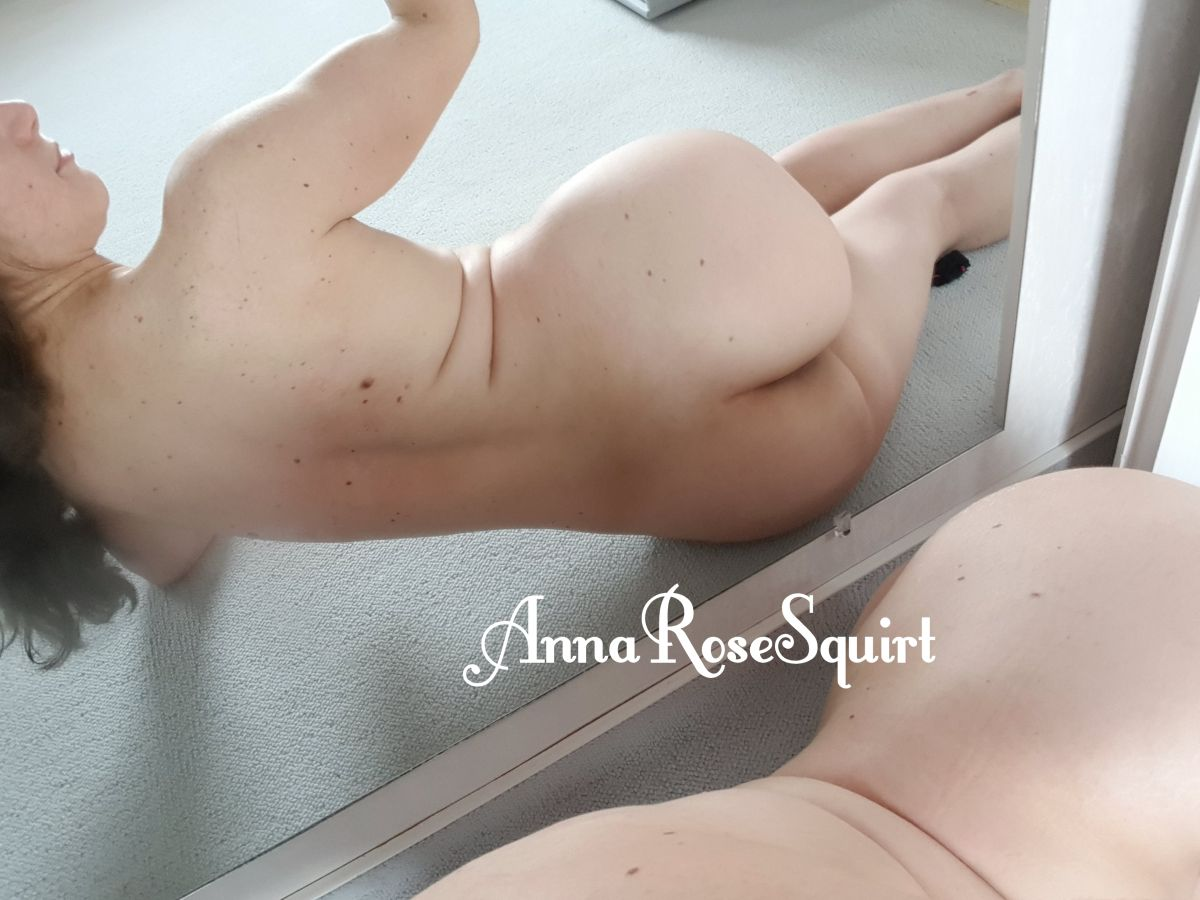 Download Annarosesquirt onlyfans leaks