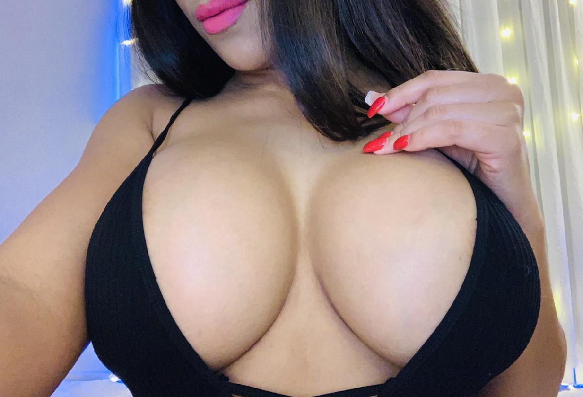 @pinklipz_xo